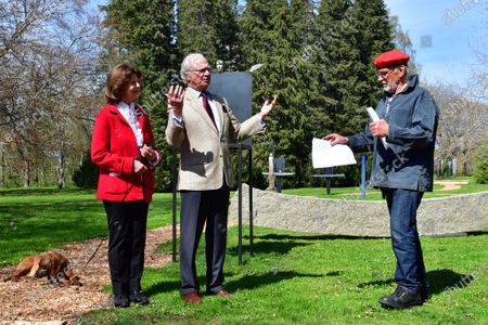 "Queen Silvia and King Carl Gustaf of Sweden inaugurate glass artist Bertil Vallien's exhibition ""Gatekeeper"" at Solliden Palace on Oland"