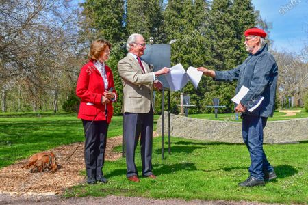 """Stock Photo of Queen Silvia and King Carl Gustaf of Sweden inaugurate glass artist Bertil Vallien's exhibition """"Gatekeeper"""" at Solliden Palace on Oland, Sweden, on May 11, 2021."""