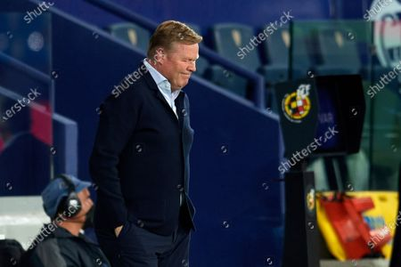 Ronald Koeman head coach of Barcelona reacts during the La Liga Santander match between Levante UD and FC Barcelona at Ciutat de Valencia Stadium on May 11, 2021 in Valencia, Spain. Sporting stadiums around Spain remain under strict restrictions due to the Coronavirus Pandemic as Government social distancing laws prohibit fans inside venues resulting in games being played behind closed doors.
