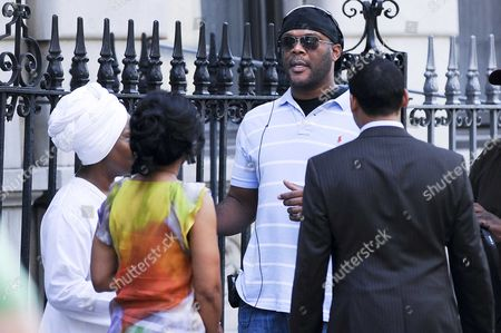 Stock Picture of Anika Noni Rose, Whoopi Goldberg, Tyler Perry and Khalil Kain