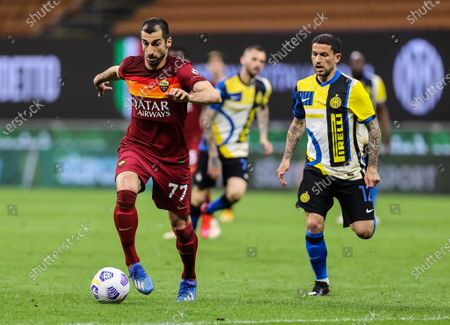 Henrikh Mkhitaryan of AS Roma and Stefano Sensi of FC Internazionale in action