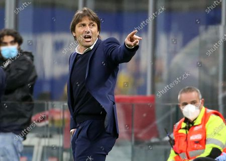 Stock Picture of Inter Milan's coach Antonio Conte reacts to Lautaro Martinez during the Italian serie A soccer match between FC Inter and As Roma at Giuseppe Meazza stadium in Milan, Italy, 12 May 2021.