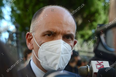 Enrico Letta answers the journalists' questions