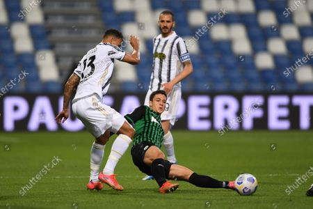 "Giacomo Raspadori (Sassuolo)Danilo Luiz da Silva (Juventus)           during the Italian ""Serie A"" match between Sassuolo 1-3 Juventus at Mapei Stadium in Reggio Emilia, Italy."