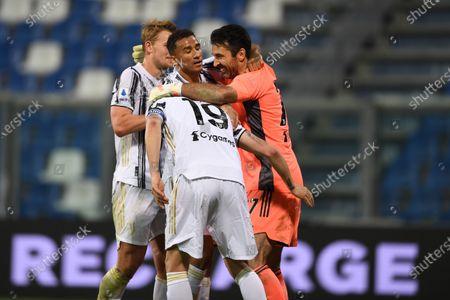 """Gianluigi Buffon (Juventus)Leonardo Bonucci (Juventus)Danilo Luiz da Silva (Juventus)Matthijs de Ligt (Juventus)           during the Italian """"Serie A"""" match between Sassuolo 1-3 Juventus at Mapei Stadium in Reggio Emilia, Italy."""