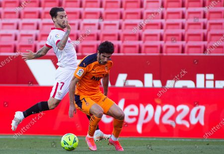 Jesus Joaquin Fernandez 'Suso' of Sevilla and Goncalo Guedes of Valencia