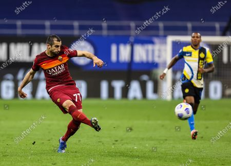 Henrikh Mkhitaryan of AS Roma in action during the Serie A 2020/21 football match between FC Internazionale and AS Roma at Giuseppe Meazza Stadium. (Final score; FC Internazionale 3 - 1 AS Roma)