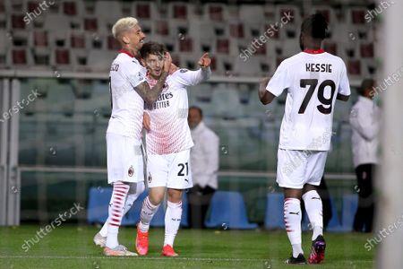 Brahim Diaz of AC Milan celebrates after scoring a goal with Samu Castillejo of AC Milan and Franck Kessie of AC Milan