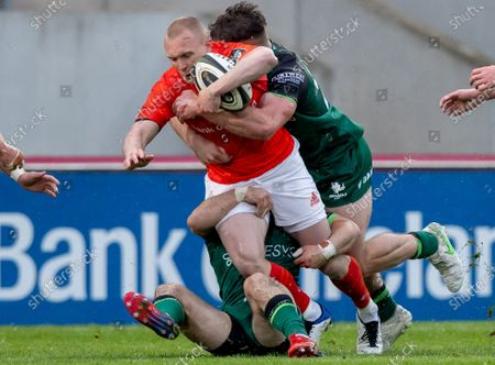 Munster vs Connacht. Munster's Keith Earls with Peter Sullivan and Jack Carty of Connacht