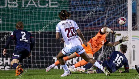 Drogheda United vs St. Patrick's Athletic. Drogheda's Jordan Adeyemo scores their third goal