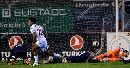 Drogheda United vs St. Patrick's Athletic. Drogheda's Jordan Adeyemo celebrates scoring their third goal