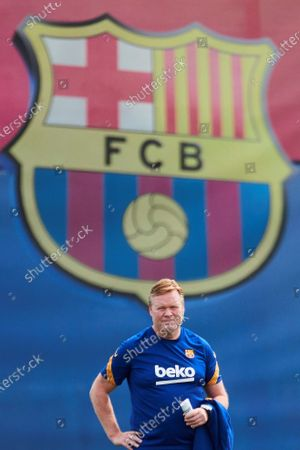 FC Barcelona's Dutch head coach, Ronald Koeman, attends the team's training session held at Joan Gamper Sports City in Barcelona, Madrid, Spain, 15 May 2021. FC Barcelona will be playing against Celta de Vigo in a Spanish LaLiga soccer match on 16 May 2021.