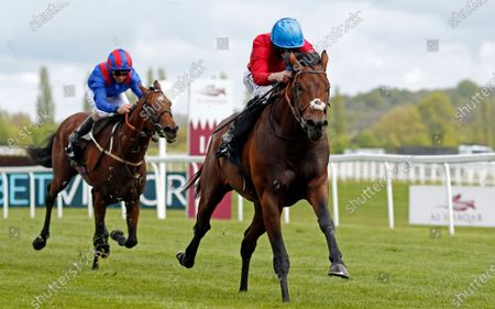 BAY BRIDGE (Ryan Moore) wins The BetVictor London Gold Cup Newbury
