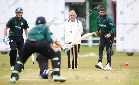 Ex-England International cricketer Monty Panesar playing for Twickenham Cricket Club while he studies for an MA in Sports Journalism at St Mary's University College, Twickenham. Bowling & swept