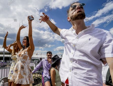 Stock Picture of , 2021, Baltimore, MD, USA: Fans dance and enjoy the performance of Major Lazer at Preakness Live in the infield on Preakness Stakes Day at Pimlico Race Course in Baltimore, Maryland. Scott Serio/Eclipse Sportswire/CSM