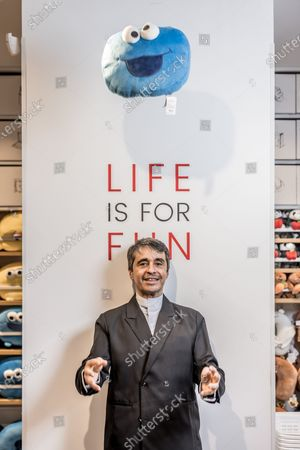 Stock Picture of Former Canal+ journalist, Ariel Wizman, embarks on business. He obtained the exclusive franchise of the Chinese brand Miniso for France.
