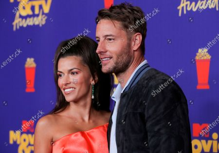 Stock Photo of Sofia Pernas and Justin Hartley