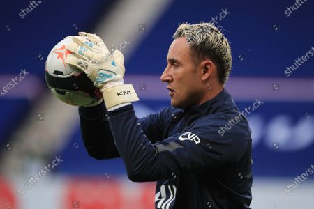 Paris Saint-Germain's goalkeeper Keylor Navas during the warm up prior to the French Ligue 1 soccer match between Paris Saint-Germain (PSG) and Reims at the Parc des Princes stadium in Paris, France, 16 May 2021.