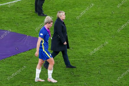 Millie Bright (4 Chelsea) and Manager of Chelsea Emma Hayes dejected after their loss of the UEFA Womens Champions League FINAL 2021 between Chelsea FC and FC Barcelona at Gamla Ullevi in Gothenburg, Sweden.