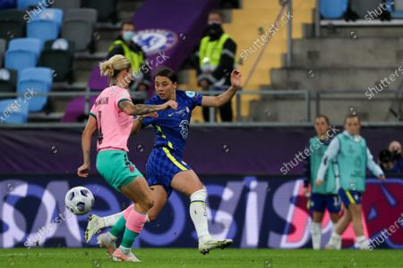 Sam Kerr (20 Chelsea) and Maria Leon (4 Barcelona) battle for the ball (duel) during the UEFA Womens Champions League FINAL 2021between Chelsea FC and FC Barcelona at Gamla Ullevi in Gothenburg, Sweden.