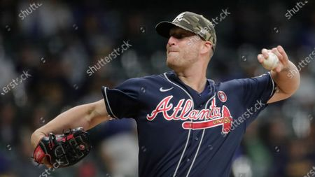 Atlanta Braves' Will Smith pitches during the ninth inning of a baseball game against the Milwaukee Brewers, in Milwaukee