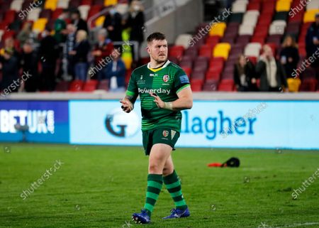 George Nott of London Irish applauding the fans after full time; Brentford Community Stadium, London, England; Gallagher Premiership Rugby, London Irish versus Exeter Chiefs.