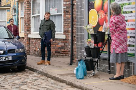 Coronation Street - Ep 10334 Monday 24th May 2021 - 2nd Ep Evelyn Plummer, as played by Maureen Lipman, is furious to discover that Dev has given Tyrone Dobbs, as played by Alan Halsall, a job doing deliveries for the shop and makes barbed remarks to Tyrone about his recent behaviour.