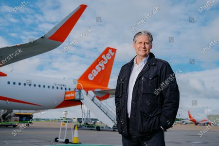 easyJet relaunches holiday flights, London