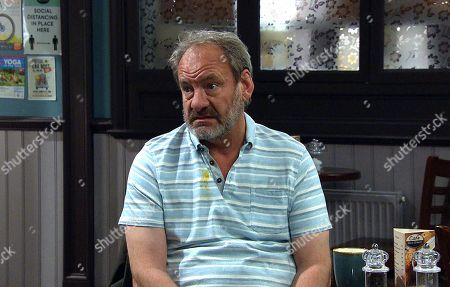 Emmerdale - Ep 9064 Thursday 3rd June 2021 Jimmy King, as played by Nick Miles, and Nicola King are excited to be having Carl back but it will take a lot more to heal the rift between them.