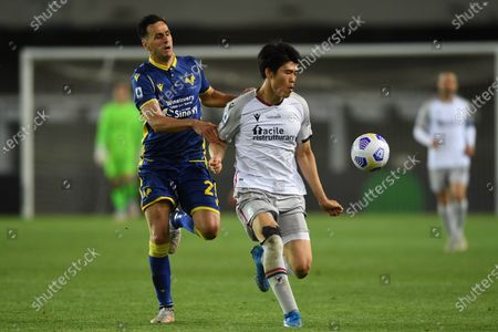 "Nikola Kalinic (Hellas Verona)Takehiro Tomiyasu (Bologna)            during the Italian ""Serie A"" match between Hellas Verona 2-2 Bologna  at  Marc Antonio Bentegodi Stadium in Verona, Italy."
