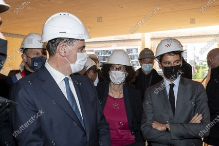 Prime Minister Jean Castex, Emmanuelle Wargon, Minister delegated to the Minister of Ecological Transition, responsible for Housing and Gabriel Attal, Government Spokesperson - Move of the Prime Minister, to, on the theme of housing and sustainable city at the Hoya residence site. Visit of the Prime Minister, Jean Castex to Issy-les-Moulineaux, on the theme of housing and sustainable city at the Hoya residence site.