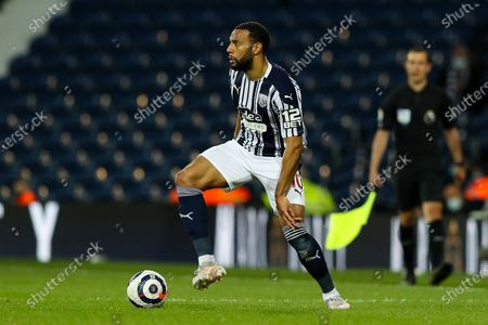 Matt Phillips of West Bromwich Albion looks inside for a pass