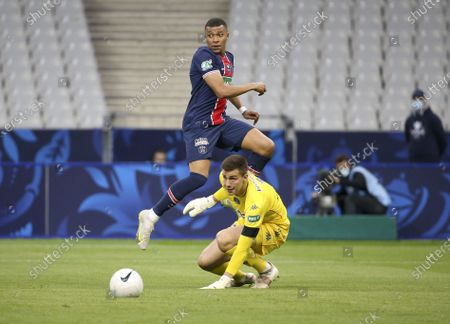 Kylian Mbappe of PSG avoids goalkeeper of Monaco Radoslaw Majeckif to pass the ball to Mauro Icardi of PSG (not pictured) who scores the first goal