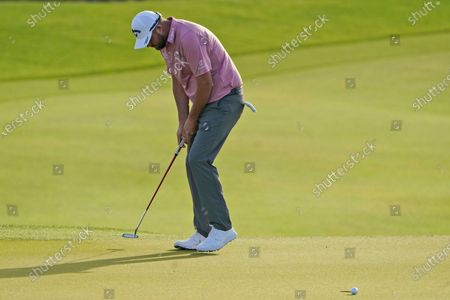 Marc Leishman, of Australia, reacts to missing a birdie putt on the 11th hole during the first round of the PGA Championship golf tournament on the Ocean Course, in Kiawah Island, S.C