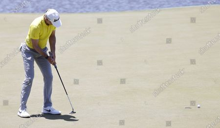 Martin Laird of Scotland putts on the seventeenth hole during the first round of the 2021 PGA Championship golf tournament on the Ocean Course at Kiawah Island, South Carolina, USA, 20 May 2021. The PGA Championship runs from 20 May through 23 May.