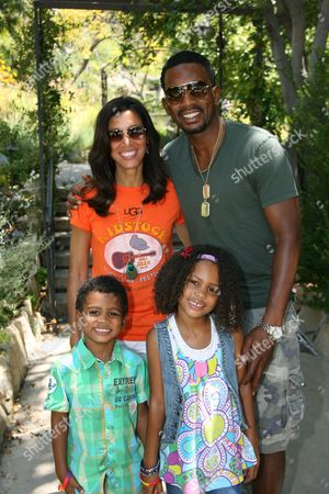 Bill Bellamy with his wife Kristen Baker, son Baron and daughter Bailey Ivory Rose