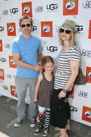 Breckin Meyer, daughter Keaton and wife Deborah Kaplan