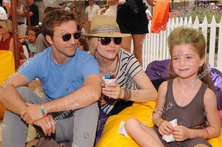 Breckin Meyer with his wife Deborah Kaplan and daughter Keaton