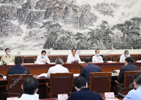 (210520) - BEIJING, May 20, 2021 (Xinhua) - Ji Bingxuan, vice chairman of the National People's Congress Standing Committee, speaks at a meeting of the inspection team of the enforcement of the animal husbandry law in Beijing, capital of China, May 20, 2021.
