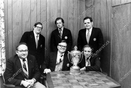 Contract Bridge c hampions Bobby Wolf, Paul Soloway, Jim Jacoby, Mike Lawrence, Bob Hamman, and Bob Goldman posing fora picture, United States, 1972.