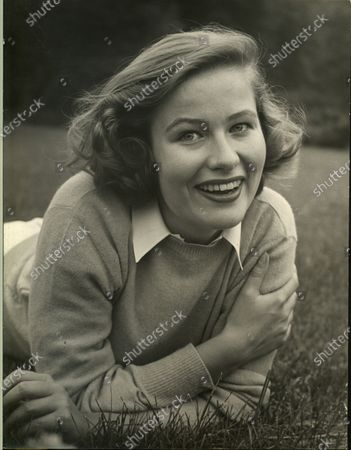 Nancy Olson posing for a picture, United States, 1950.