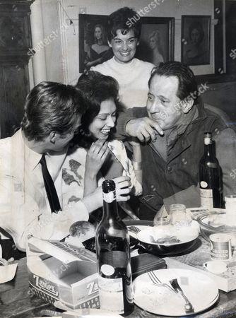 Artist Pietro Annigoni (died 10/88) (r) With Timothy Whidborne Shamini Tiruchelvam And Suzi Roboz.