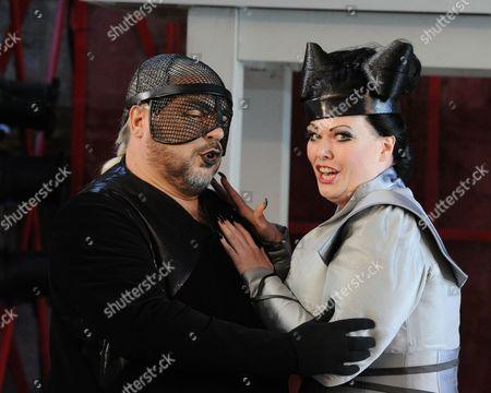 'Armida'  - Nicholas Watts (Eustazio) and Jessica Pratt (Armida)