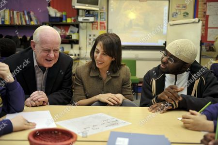 Carie Lemack Daughter Of Judy A Victim Of The 9/11 Terrorist Attack In New York Along With John Falding Who Lost His Partner In The London 7/7 Bus Bomb And Abdul Haq Baker Founder Of Street On A Visit To Kings Avenus Primary School In Lambeth To Talk About Extreme Beliefs Picture By Glenn Copus