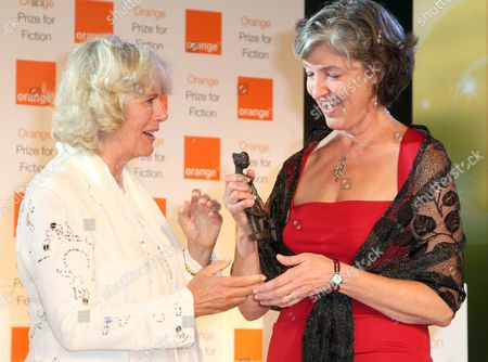 Camilla, Duchess of Cornwall presenting Barbara Kingsolver with her trophy