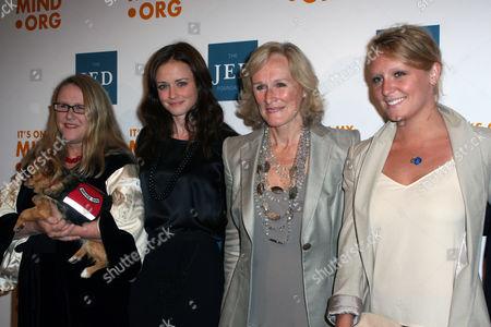 Jessica Close, Alexis Bledel, Glenn Close, Annie Stark