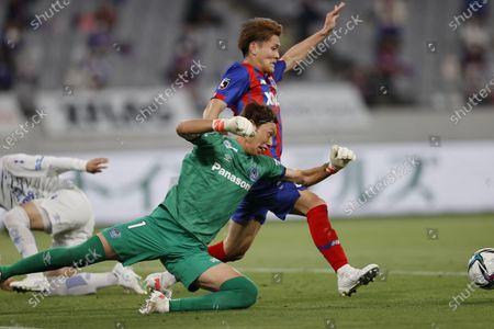 Masaaki Higashiguchi (Gamba), Kyosuke Tagawa (FC Tokyo) - Football / Soccer : 2021 J1 League match between FC Tokyo 1-0 Gamba Osaka at Ajinomoto Stadium, Tokyo, Japan.