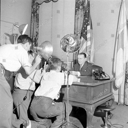 Media interviewing Daniel Basil O'Connor, August 1944.
