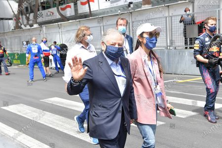 FIA President Jean Todt with his wife Michelle Yeoh on the grid of Monaco.