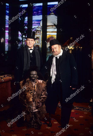 Jeremy Brett as Sherlock Holmes and John Thaw as Jonathan Small with Kiran Shah as Tonga